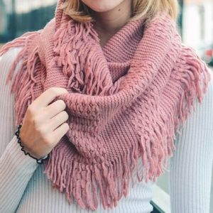 ⭐️2/$38New Mauve Pointelle Knit Infinity Scarf